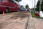 Oleista ciecz zalała jezdnie w Krośnie i Jedliczu