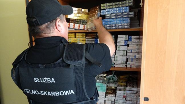 Strzyżów: nielegalny skład papierosów
