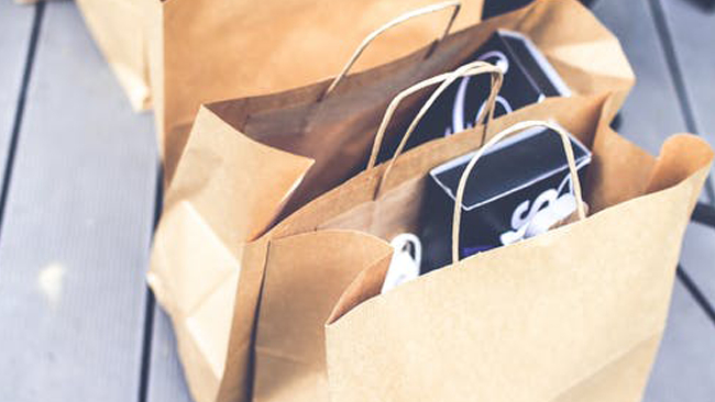 Pakowanie i przeprowadzka - czyli jak wybrać odpowiednią taśmę i folię do pakowania?
