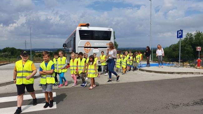 KrosnoLudki odwiedziły ścieżkę edukacyjną przy PSZOK