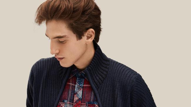 Swetry męskie rozpinane - z czym je nosić?