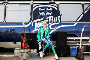 Natalia Nykiel i Red Bull Tour Bus