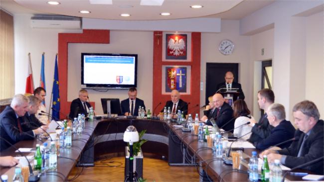 Radni powiatu krośnieńskiego przeciw zmianie granic Krosna