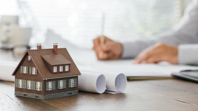 Funkcjonalny dom - gotowy czy samodzielnie naszkicowany projekt domu?