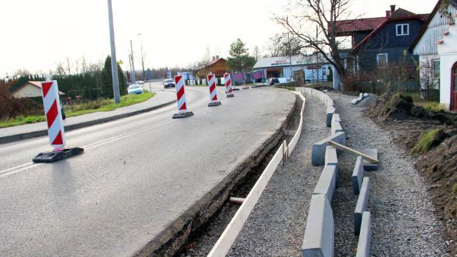 Powiat buduje chodniki w gminie Chorkówka