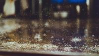 Weekend trochę chłodniejszy. Okresami słaby deszcz, w sobotę wiatr w porywach do 55 km/h