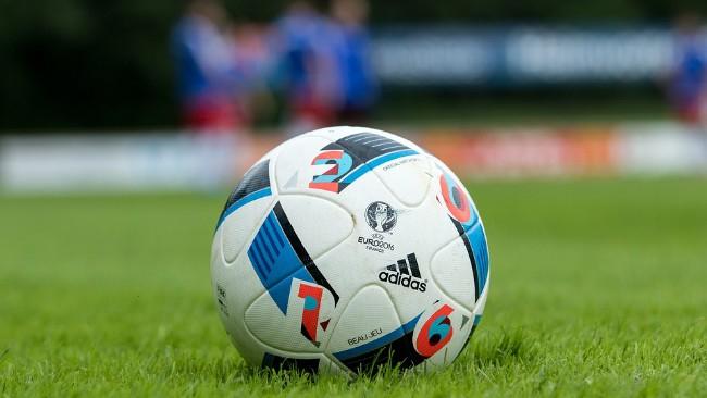 Ile zarabiają polskie kluby piłkarskie?