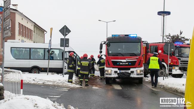 Zderzenie dwóch busów na rondzie w Miejscu Piastowym