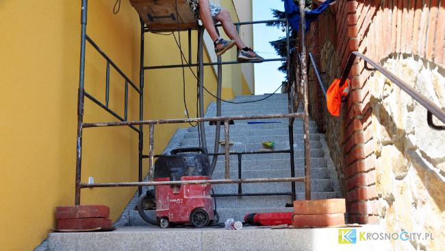 Coraz bliżej otwarcia schodów od strony ul. Fortecznej