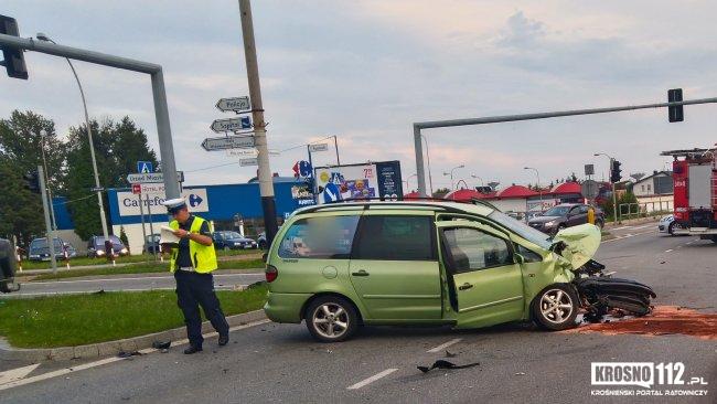 Wypadek na skrzyżowaniu DK28 w Krośnie