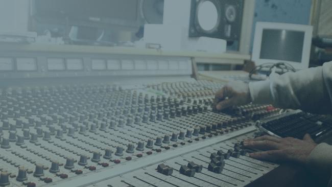 Radio online - a co to takiego? Jak działa i dlaczego jest lepsze od tradycyjnego?