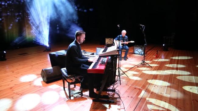 """""""Afrykański Śnieg"""" i koncert w kwarantannie live [FILM]"""